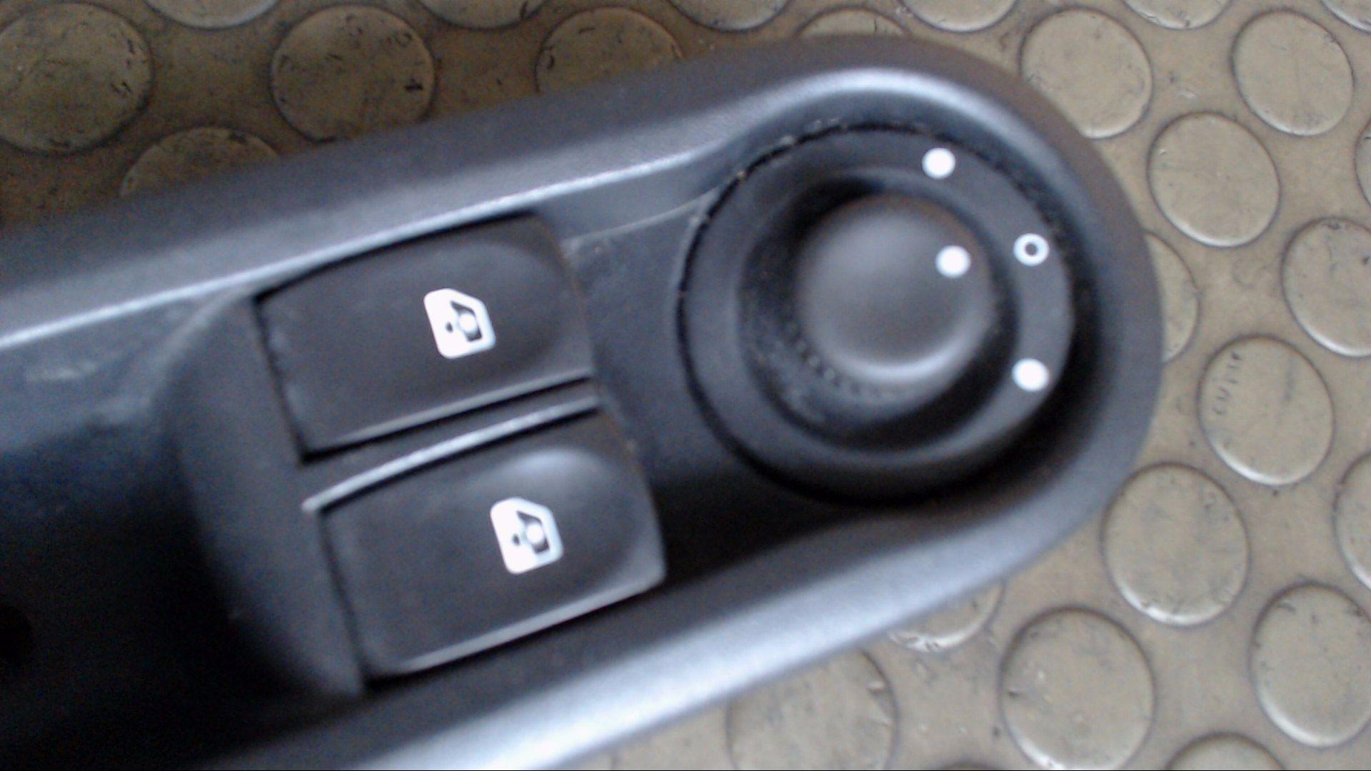 Fensterheberschalter-214939A-Renault-Twingo-N-12-Monate-Garantie Indexbild 2